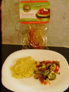 Comer Saudável - Ravioli 5 queijos com legumes salteados